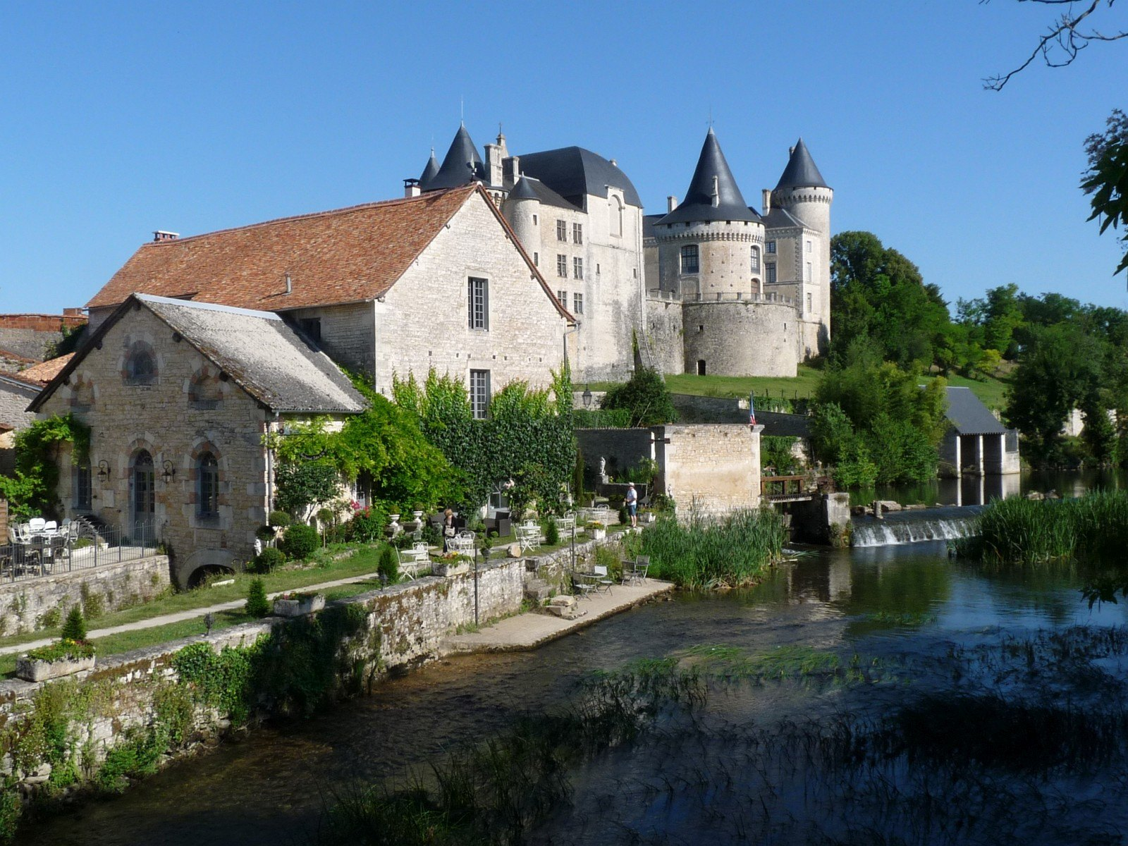Verteuil_chateau_et_moulin